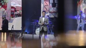 """""""A minha filha hoje está connosco"""": Tony Carreira emocionado no regresso aos palcos"""