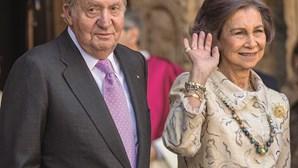 Cronista põe a nu 'podres' de rei emérito Juan Carlos