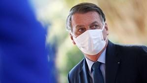 Bolsonaro minimiza as 600 mil mortes por Covid-19 registadas no Brasil