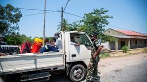 Polícia moçambicana detém militares em ajuntamento a beberem álcool e armados