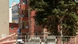 Homem ferido a tiro abandonado à porta do hospital Garcia de Orta em Almada