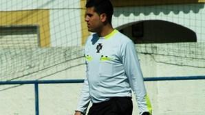 Árbitro sente-se mal e morre durante jogo de futebol com amigos em Beja