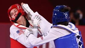 Refugiada iraniana Alizadeh elimina bicampeã olímpica no taekwondo nos Jogos Olímpicos