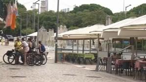Esplanadas de Lisboa encheram-se no fim de semana apesar das restrições da Covid-19