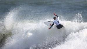 """Yolanda Hopkins """"nos 'quartos' de final da prova de surf olímpico"""