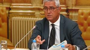 Relatório da Comissão de Inquérito ao Novo Banco reparte culpas políticas por PS e PSD