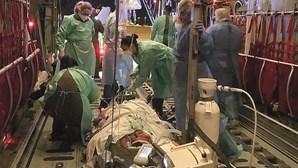 Doente com 170 quilos e infetado com Covid-19 transferido de Faro para Coimbra em avião da Força Aérea