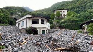 Dezenas de casas atingidas por deslizamentos de terras após chuva torrencial em Itália