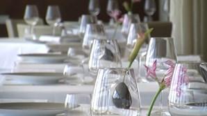 Único restaurante na ilha Deserta, em Faro, reabre depois de incêndio