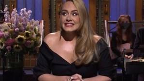 Adele assume novo amor após assinar os papéis do divórcio