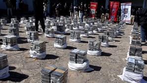 Paraguai faz maior apreensão de sempre de droga dissimulada em carregamento de açúcar