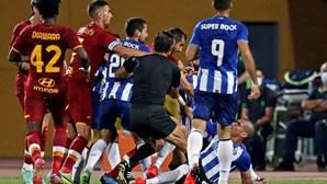 Pepe arrasado após confusão no FC Porto-Roma