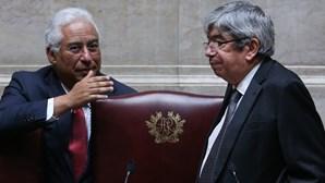 Ferro Rodrigues acusa juiz negacionista de crime público por insultos em vídeo