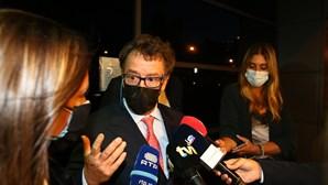 Manuel Pinho ouvido em tribunal durante mais de seis horas. Garante que explicou tudo aos procuradores