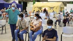 Adolescentes aderem em massa à vacinação Covid na Madeira
