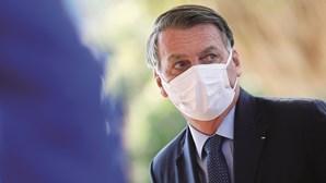 Bolsonaro mente quatro vezes por dia, revela ONG internacional