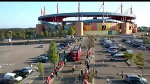 Autocarro do Sp. Braga chega ao Estádio Municipal de Aveiro para jogo da Supertaça. Veja o momento