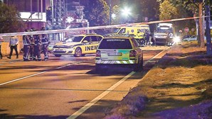 Dois homens morrem em colisão violenta no Porto. Vítimas foram projetadas 100 metros
