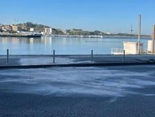 Local onde carro caiu ao rio douro no Porto