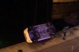 Homem morre em despiste de carro que caiu ao rio douro no Porto. Mulher ficou ferida
