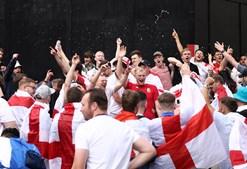 Adeptos ingleses antes da final