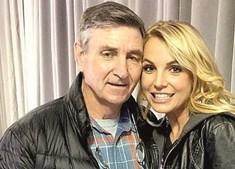 Britney com o pai e tutor legal, James Spears