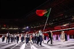 Telma Monteiro e Nélson Évora foram os porta-estandartes da comitiva lusa nos Jogos Olímpicos de Tóquio, encabeçando o desfile na cerimónia de abertura do evento