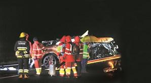 Carro conduzido por Ivo Lucas  ficou totalmente destruído