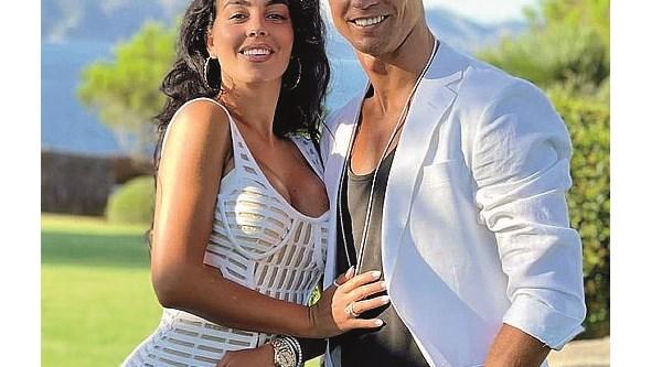 Cristiano Ronaldo vai mudar-se com a família para Lisboa