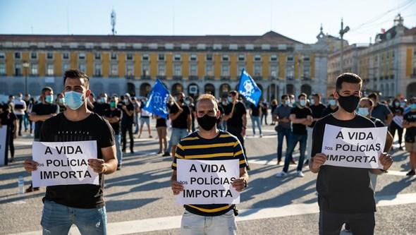 Governo quer PSP com salário de 2007 euros