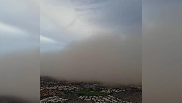 Imagens de drone mostram tempestade de areia nos EUA