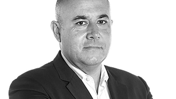 """""""A saída de cena de Merkel é um momento perigoso para a Europa"""", por Carlos Rodrigues"""