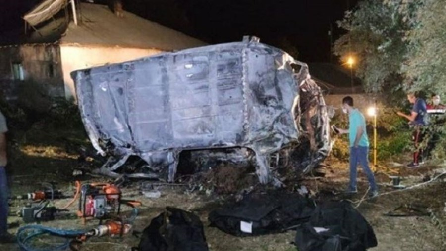 Pelo menos 12 mortos e 26 feridos em autocarro com migrantes na Turquia