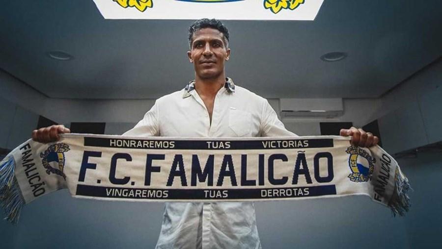 Bruno Alves no Famalicão