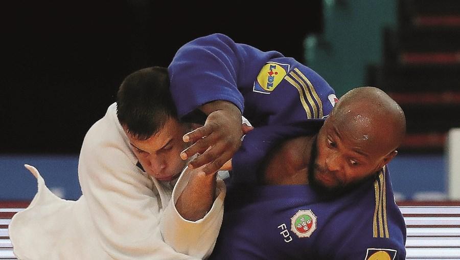 Jorge Fonseca é bicampeão mundial em -100 kg