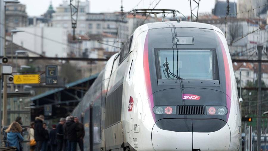 AVE comboio de alta velocidade