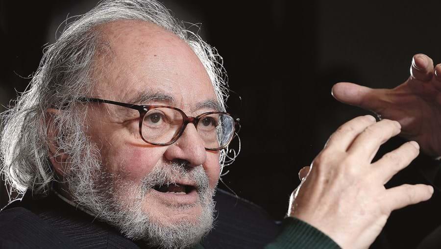 Maestro António Victorino D'Almeida atualizou o projeto com os países que, entretanto, aderiram à União Europeia