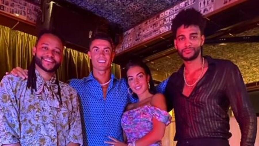 Cristiano Ronaldo e Georgina Rodríguez com os Calema