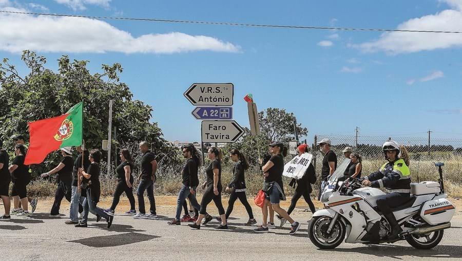 Movimento de utentes deste troço de estrada já realizou diversos protestos a exigir a requalificação urgente
