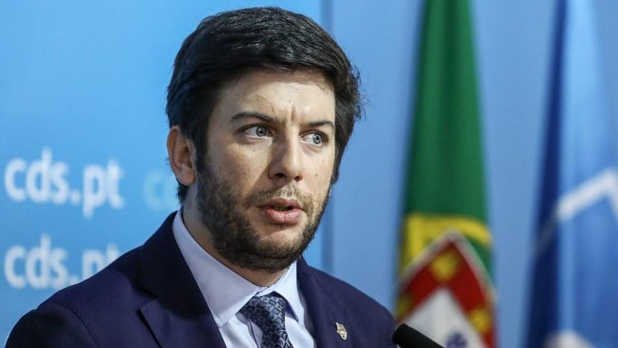 Escolhas da direção nacional, liderada por Francisco Rodrigues dos Santos, estão a gerar uma onda de contestação