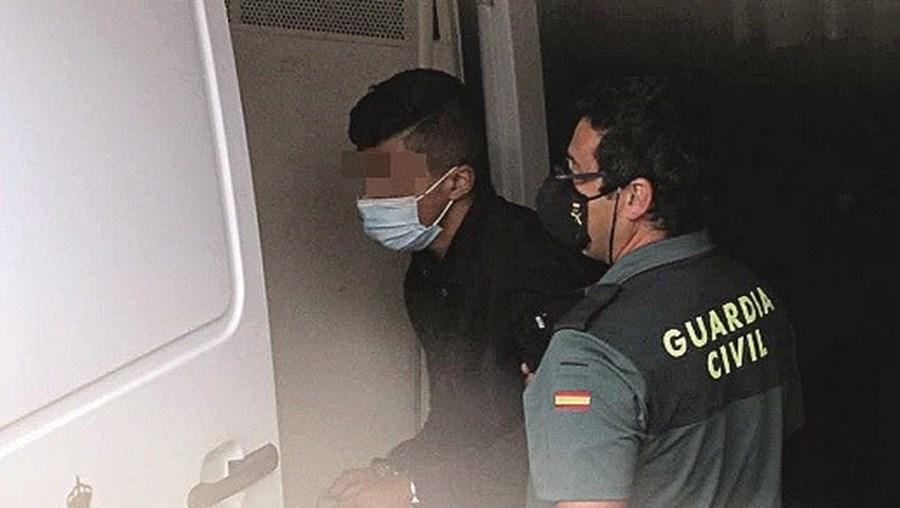 Dois portugueses estão presos