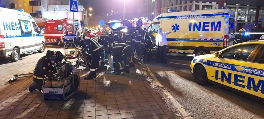 Seis feridos em colisão entre carro e ambulância do INEM em Matosinhos