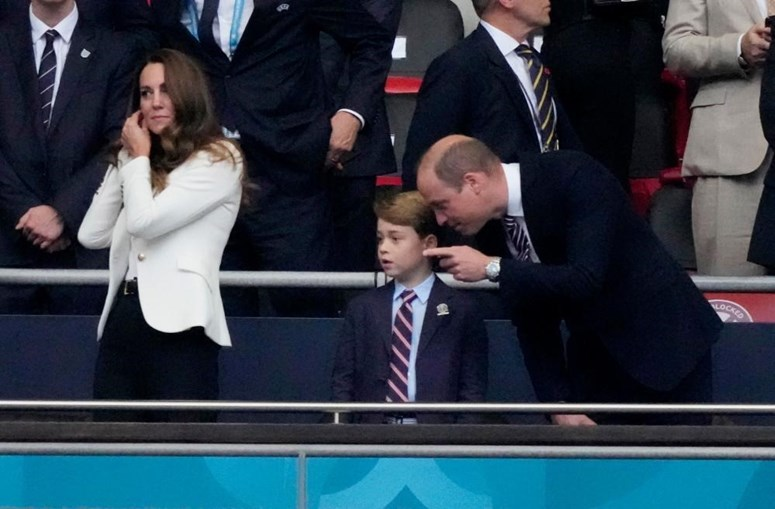 Príncipe William e Kate assistiram ao jogo da final do Euro 2020 com o filho George