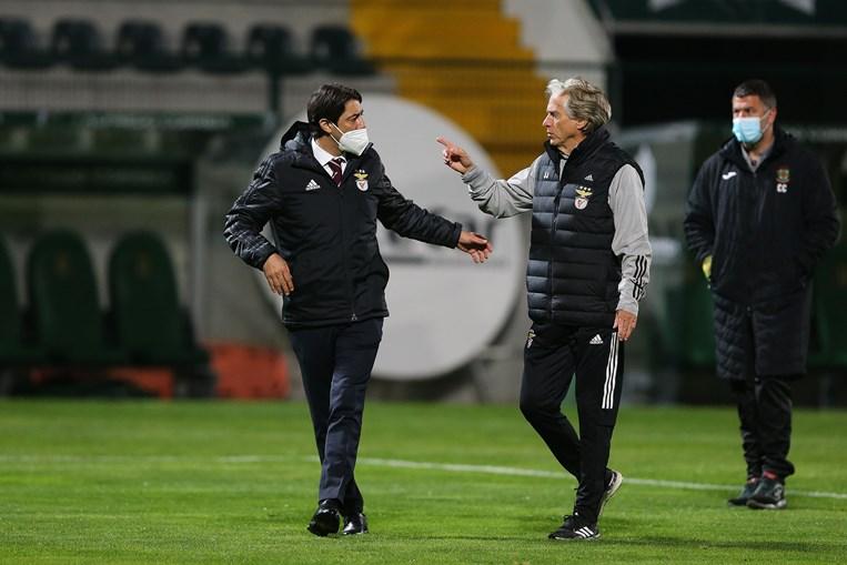 Presidente tem estado muito próximo do treinador Jorge Jesus e quer dar-lhe apoio total