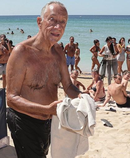 Marcelo Rebelo de Sousa na praia