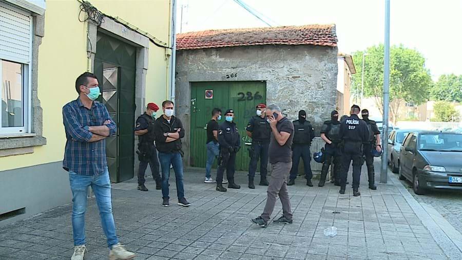 Operação policial envolveu 400 elementos, que executaram mais de 60 mandados de busca