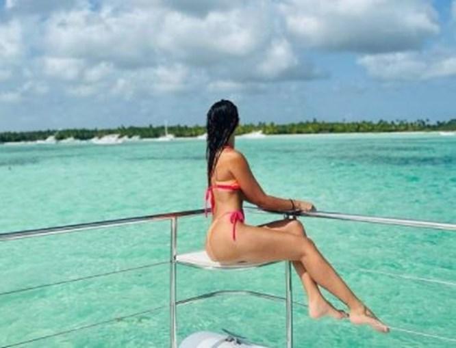 Mulher de Messi arrasa nas férias