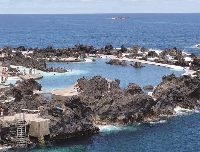 As piscinas da praia de Porto Moniz, na Madeira