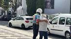 Cidadão mostra PSP a ajudar idoso a atravessar estrada na Madeira: 'Não é só para passar multas'