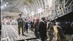 Grupo de 37 refugiados afegãos chegou hoje a Portugal